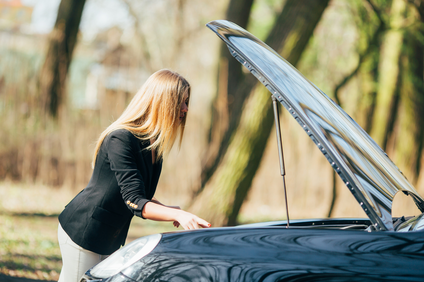 Signs That Your Car Needs Auto Repair Miracle Body and Paint San Antonio Texas